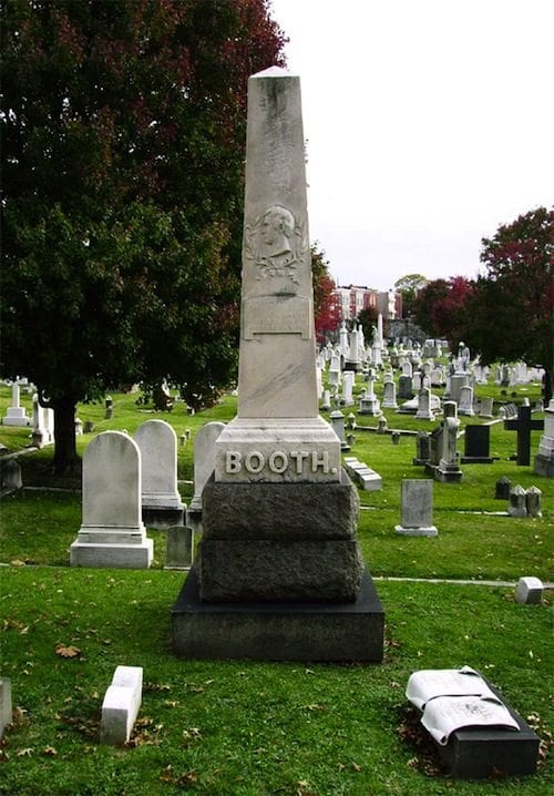 50 Famous Gravesites Worth Seeing Around the World - Cheapism