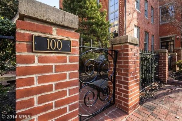 100 Lee Street