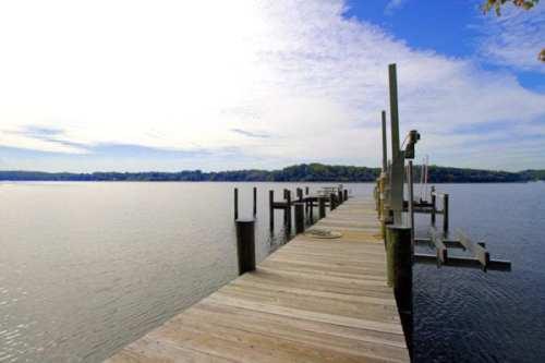 Dock-21