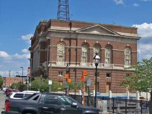 800px-Baltimore_Police_Homicide_Unit_Building