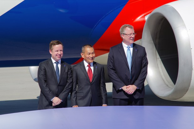 (L-R) Alan Joyce, CEO, QANTAS who sponsored Malaysia Airlines entry in to oneworld, Malaysia Airlines Group CEO Ahmad Jauhari (AJ) Yahya, Bruce Ashby, CEO, oneworld.