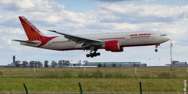 Air India Boeing 777-200LR VT-ALH at Paris CDG airport. Photo copyright Sylvain Muglia. Used under CC license.