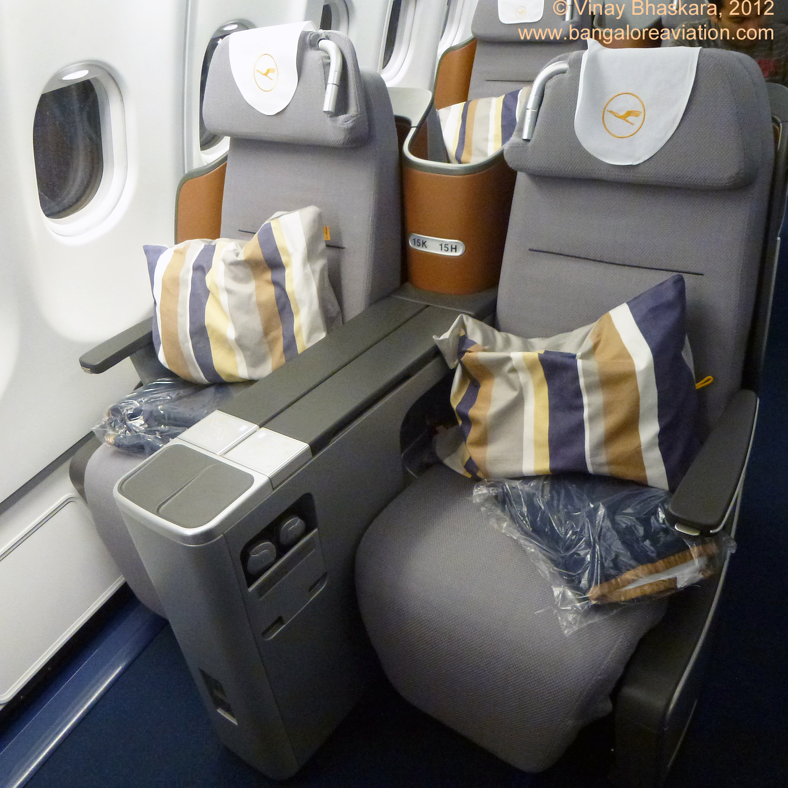In-flight review: Lufthansa new Business Class: Boeing 747 ...