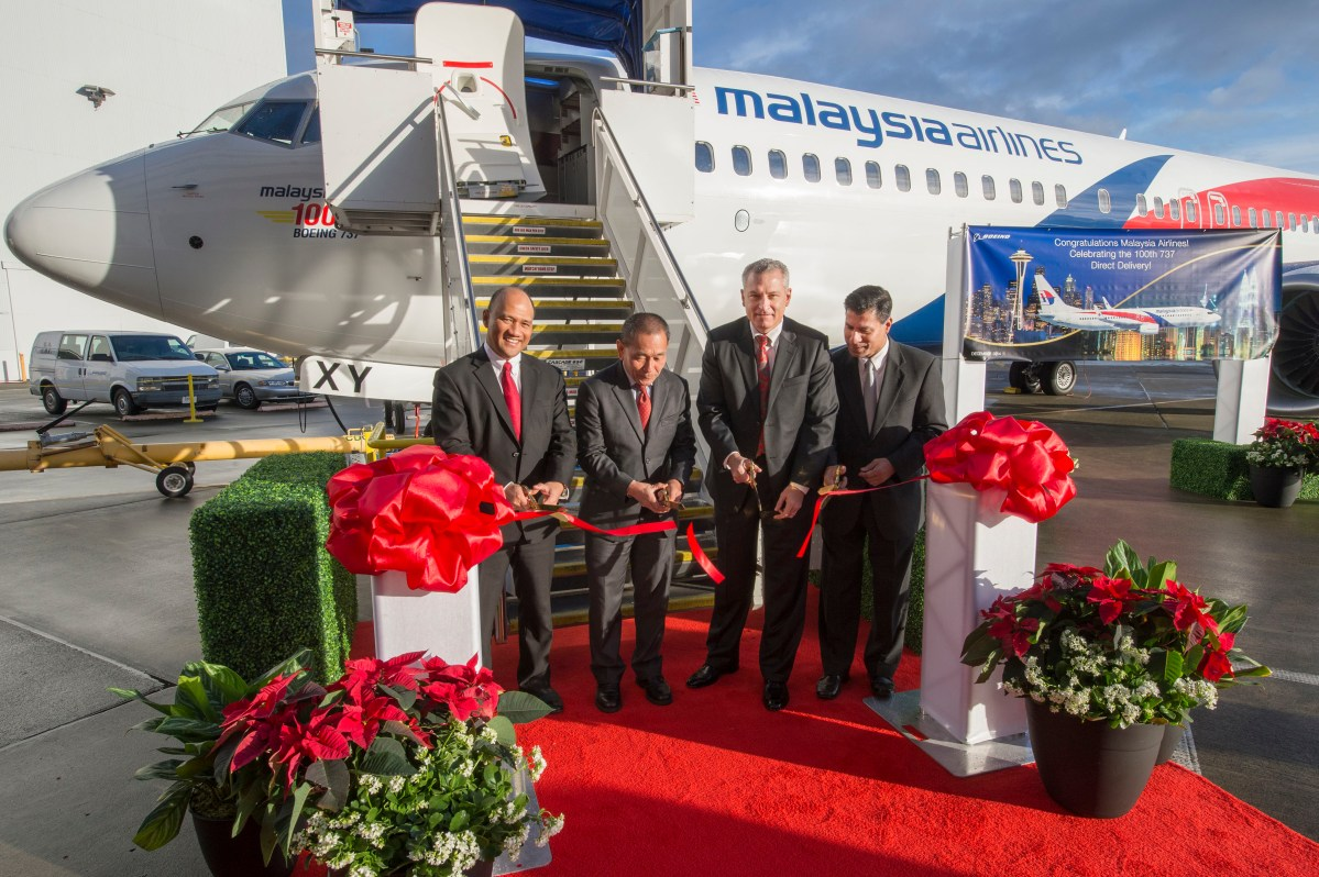 Boeing delivers Malaysia Airlines 100th 737