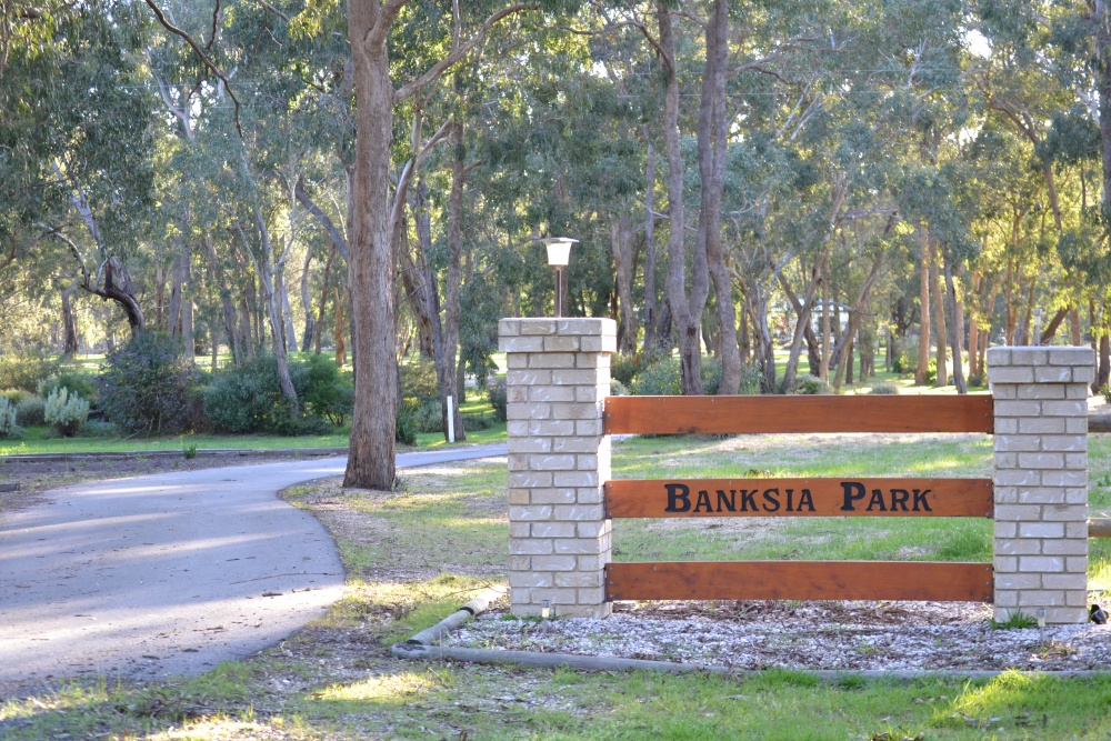 Banksia Park Puppies Entrance