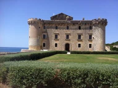 Stay in a lovely private castello 30 min outside Rome
