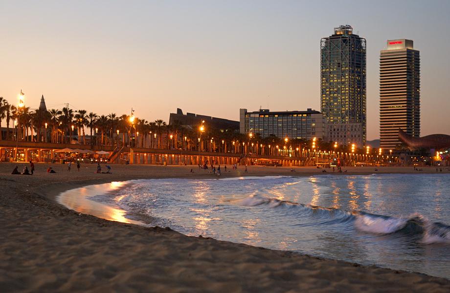 Beach and Waves, Barceloneta
