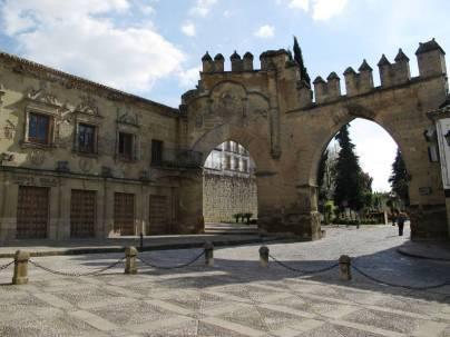 Puerta de Jaén y Arco de Villalar - Baeza