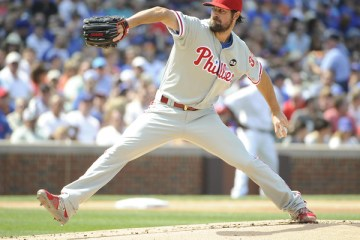Cole+Hamels+Philadelphia+Phillies+v+Chicago+e2_QuqO43PUl