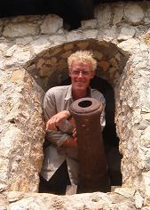 Eelco met kanon in El Castillo de San Felipe