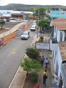 IMG_1117a_Ontwikkelingen_op_de_boulevard_van_Puerto_Baquerizo_Moreno_San_Cristobal