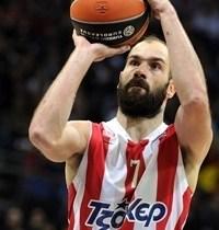 Vassilis Spanoulis, ancora una volta trascinatore del  Pireo.