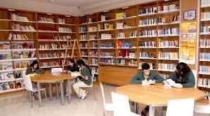 Kütüphane raflarında topyekun temizlik