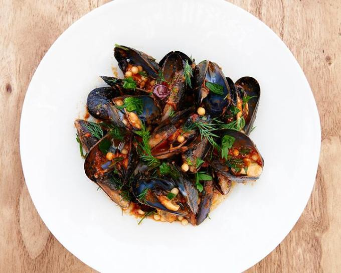 $15 mussels at The Bucket List tonight