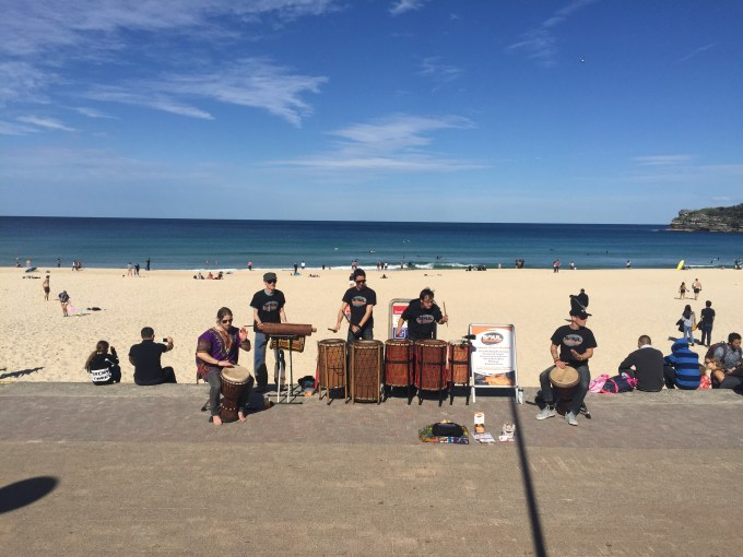 Possibly the best backdrop for a band EVER :: image by Beached Blonde