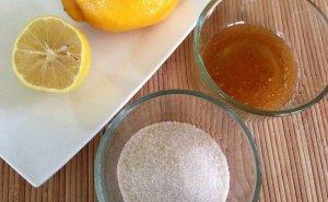honey-and-lemon-face-mask-with-sugar
