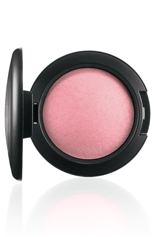 ApräsChic MineralizeBlush Gentle 72 Introducing MAC Après Chic Collection