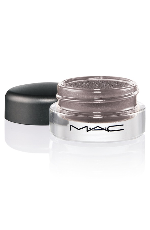 ProLongwear PaintPot FrozenViolet 72 Introducing MAC Pro Longwear Paint Pot Collection