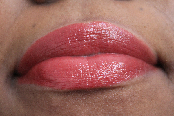 mac apres chick lipstick lip swatch MAC Apres Chic Swatches