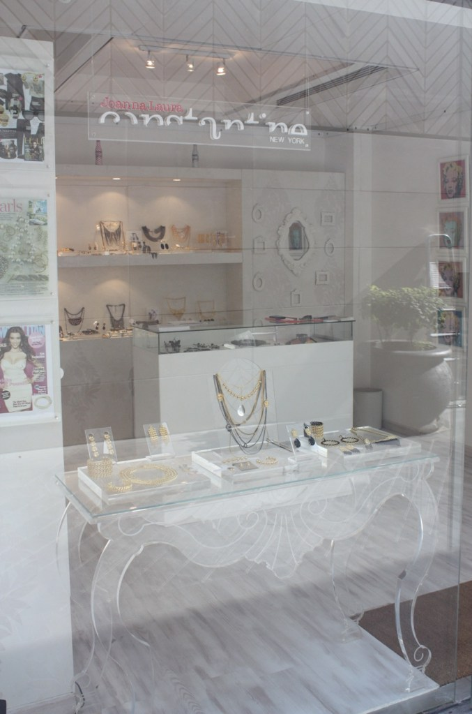 Champange and Pop Up Stores in Beirut!