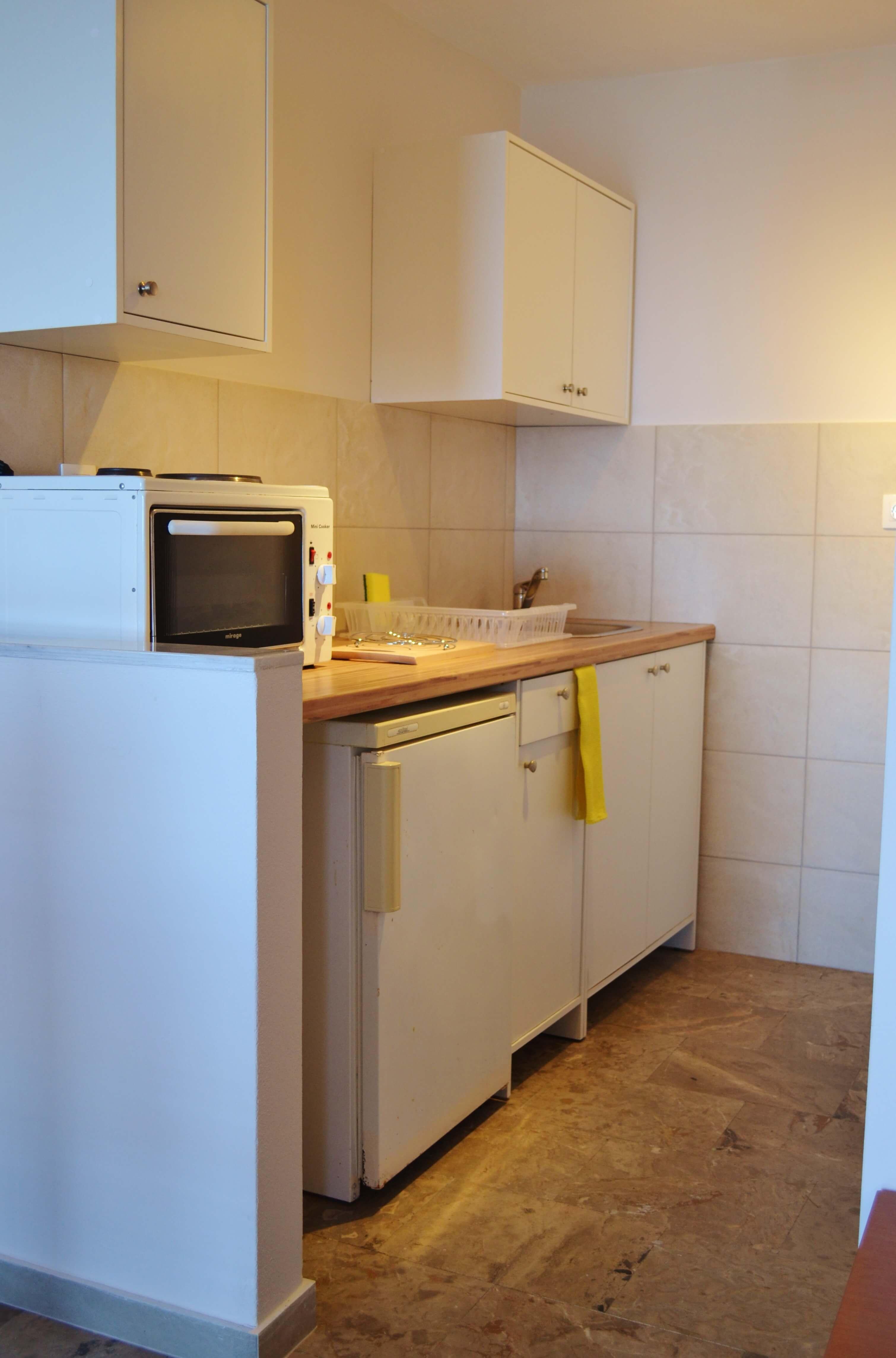 bella vista apartments corfu studio mit kitchenette. Black Bedroom Furniture Sets. Home Design Ideas