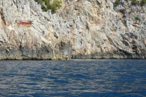 cliff jumpin