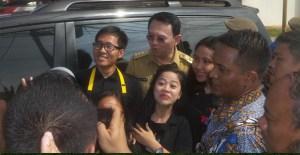 Warga Yang Diajak Demo Malah berfoto-foto Bareng Ahok