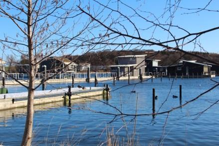 Die schwimmenden Ferienhäuser in Lauterbach auf Rügen: Ein Wintermärchen