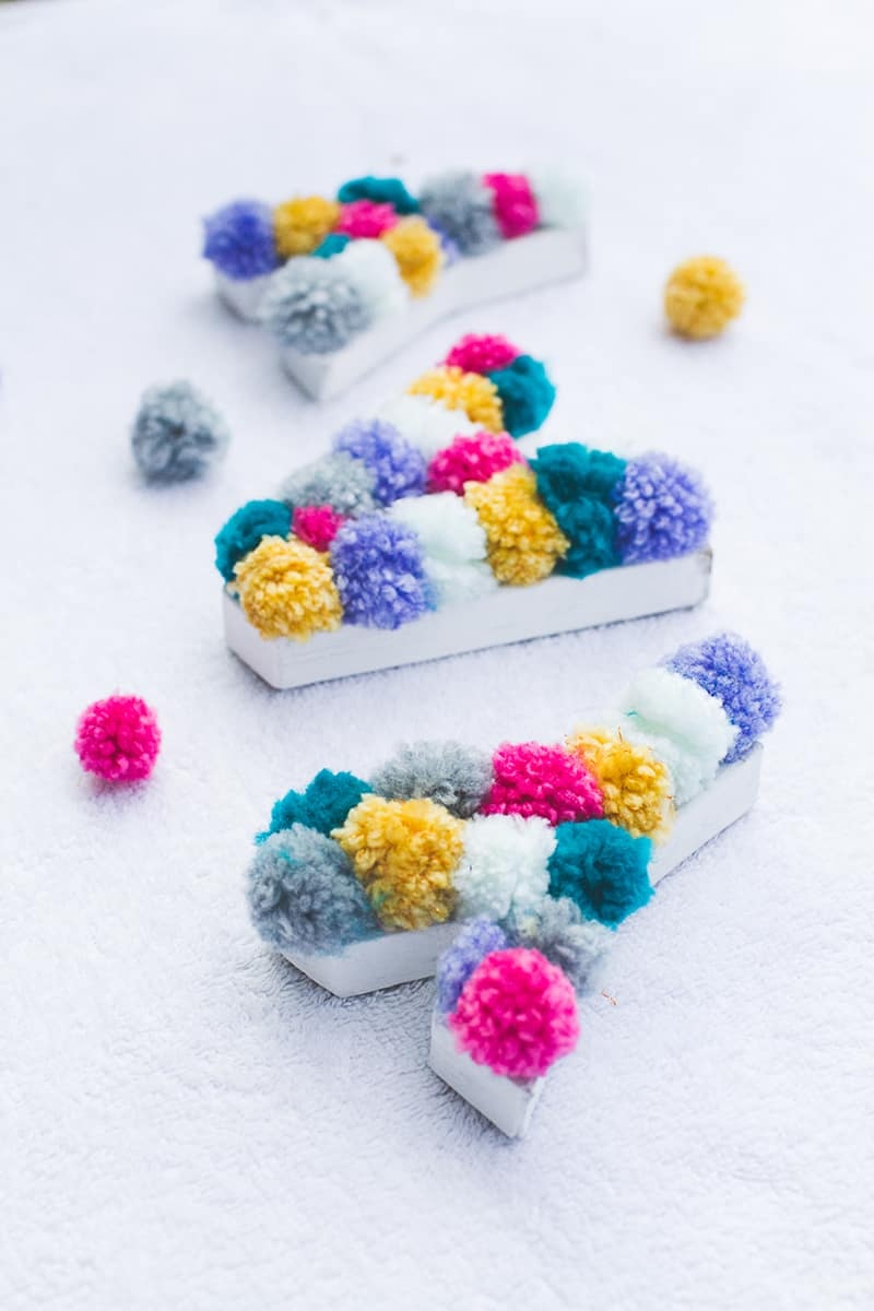 DIY POM POM Yarn Letters-14