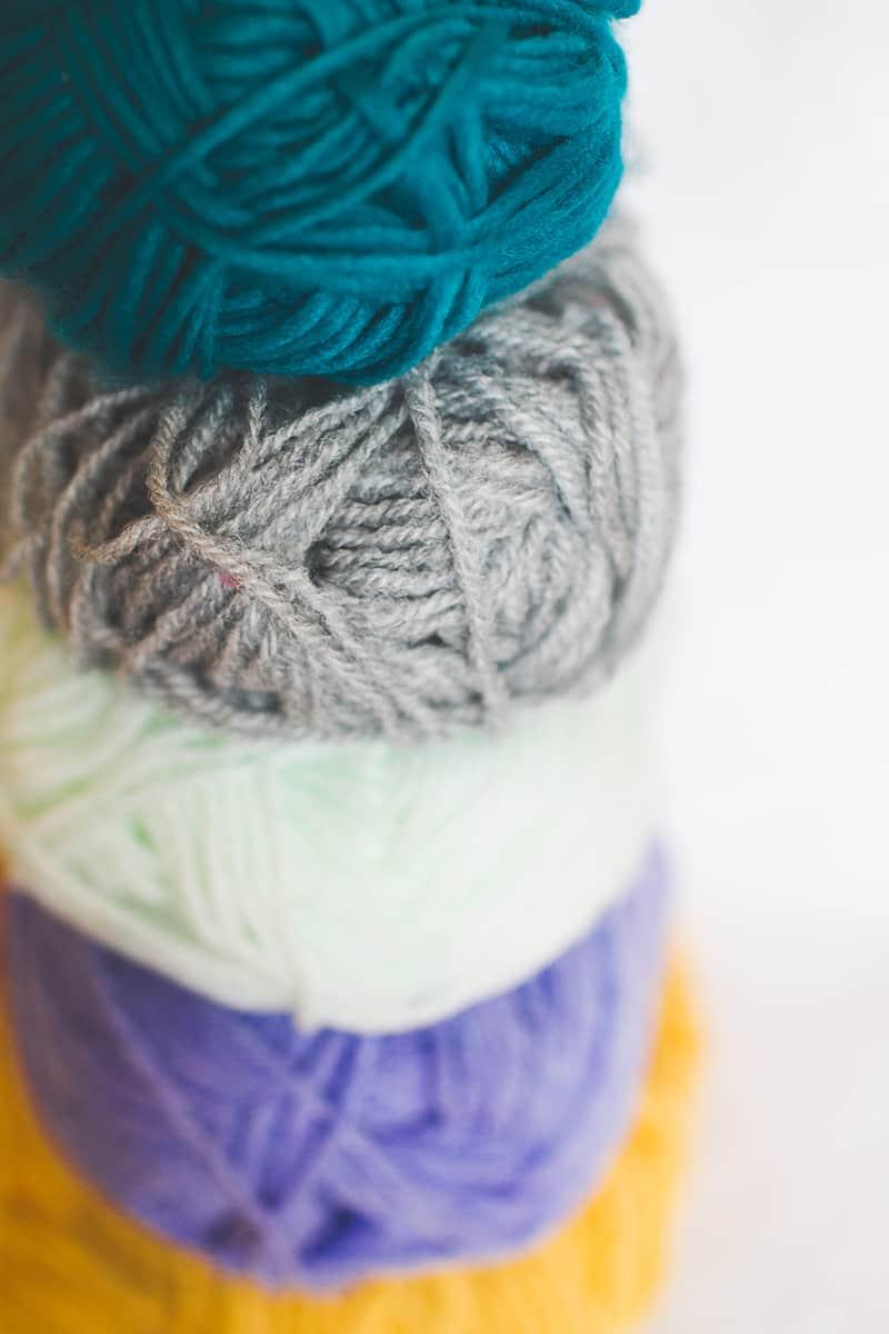DIY POM POM Yarn Letters-2