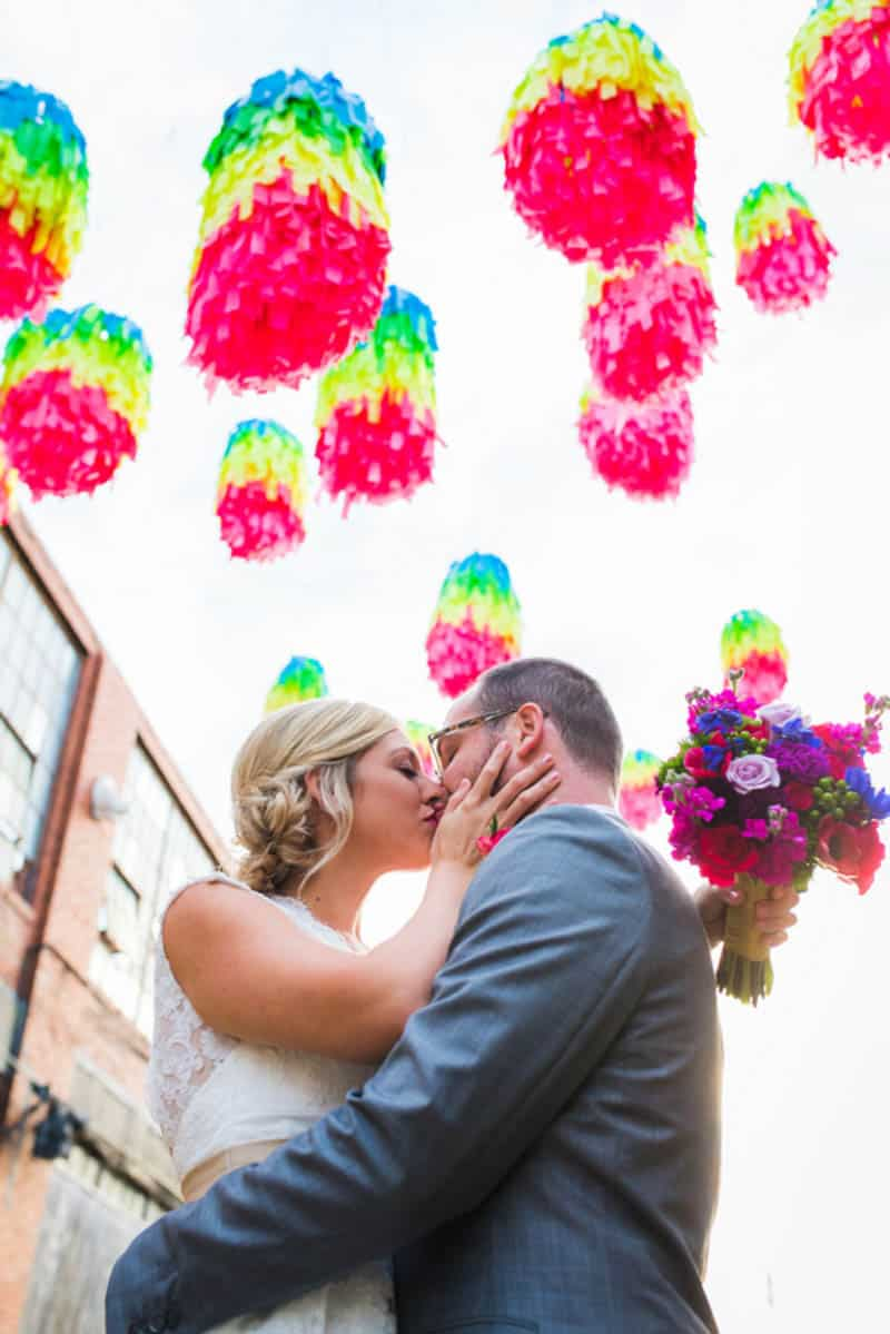 HANDMADE COLORFUL INTIMATE WEDDING IN A COFFEE SHOP (3)