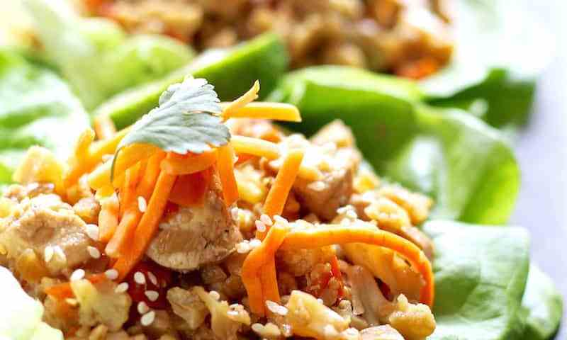 low carb chicken and cauliflower lettuce wraps featured