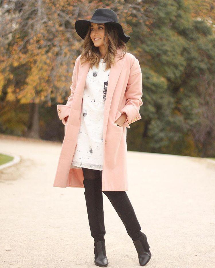 Nuevo look en el blog con un vestido blanco conhellip