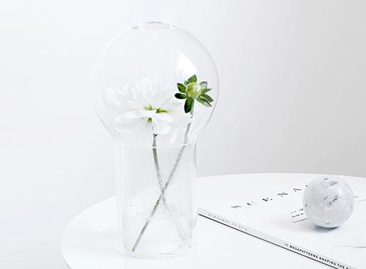 Livada-Fragrance-Vase-3.jpg
