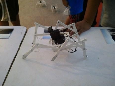 VIVE LES ROBOTS!