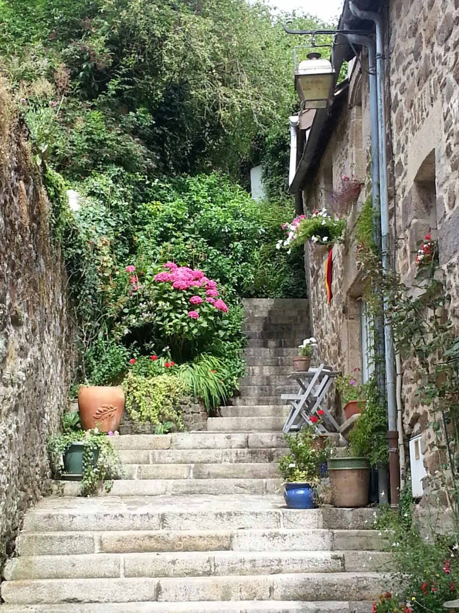 Photograph of ancient steps in old town Dinan