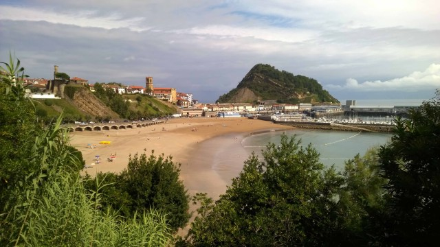 Photograph of San Sebastian beach.