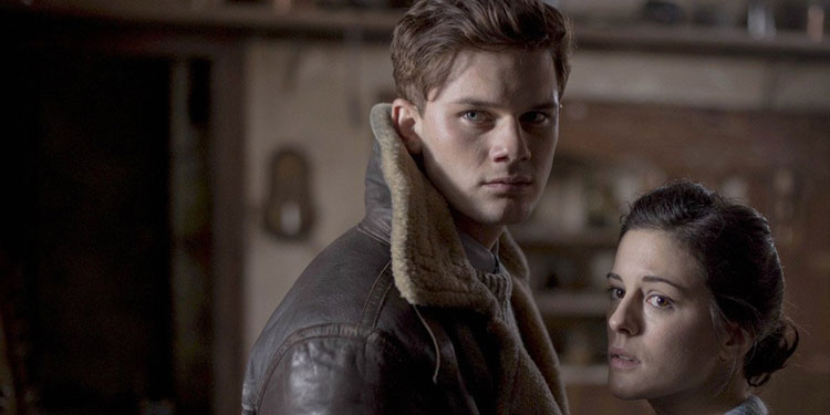 woman-in-black-2-jeremy-irvine