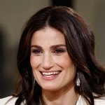 Idina Menzel Is Open To Frozen's Elsa Getting A Girlfriend In The Sequel