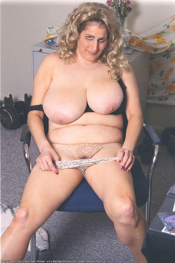 Sophie hart nude