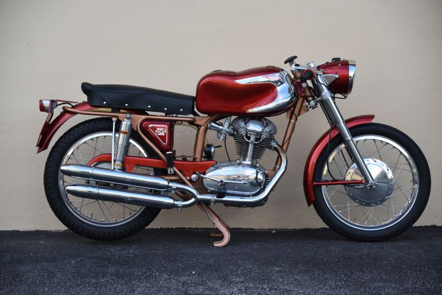 Ducati 200 Elite - Right Side