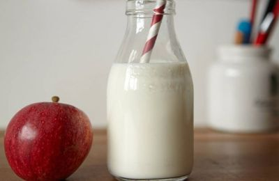 mela latte