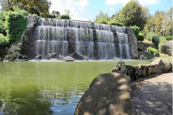 Roma riaperto il giardino delle cascate dell 39 eur bioecogeo - Cascate da giardino ...