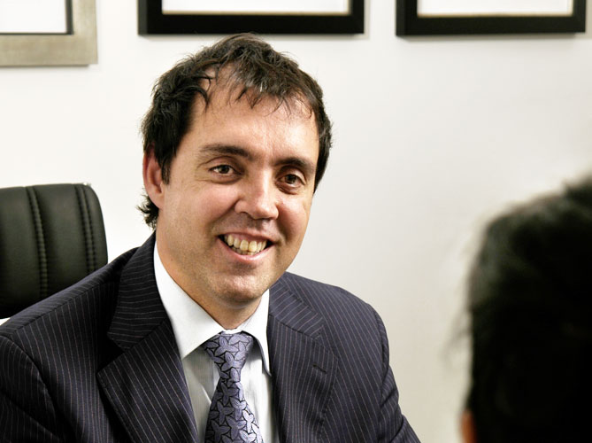 Dr. Dario Borras