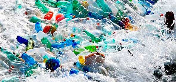 Botellas de plástico como fuente de contaminación