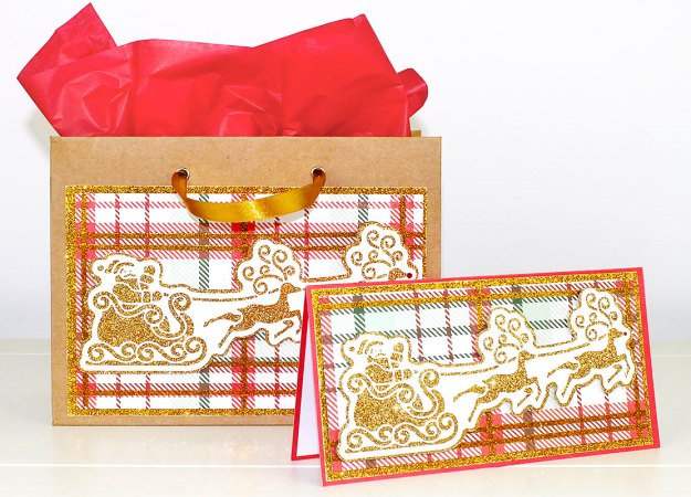 santa-in-flight-card-and-bag