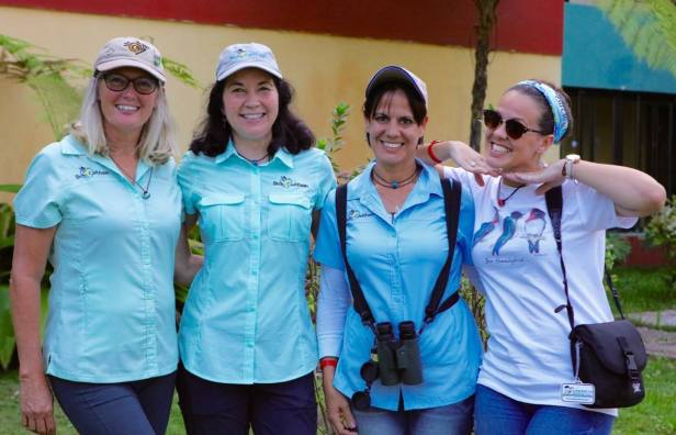 Four chicas, banded and branded - Joni, Lisa, Tanya and Mariana). (photo by Ernesto Reyes)