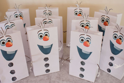 Frozen's Olaf Party Favor Bags and Snocone Cups Printables