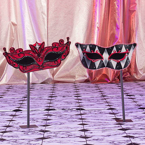 Small Red Masquerade Mask Stands