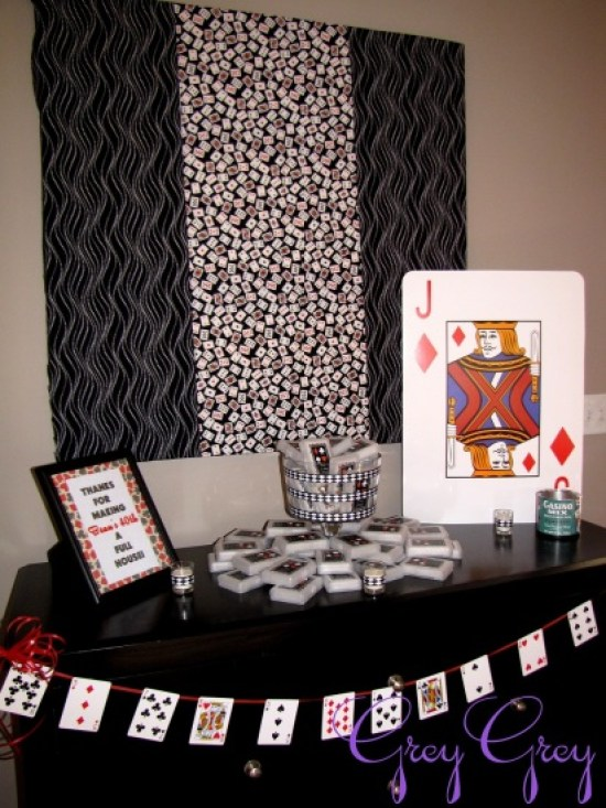 adult-40th-las-vegas-casino-birthday-party-ideas-decorations-poker-banner-bunting